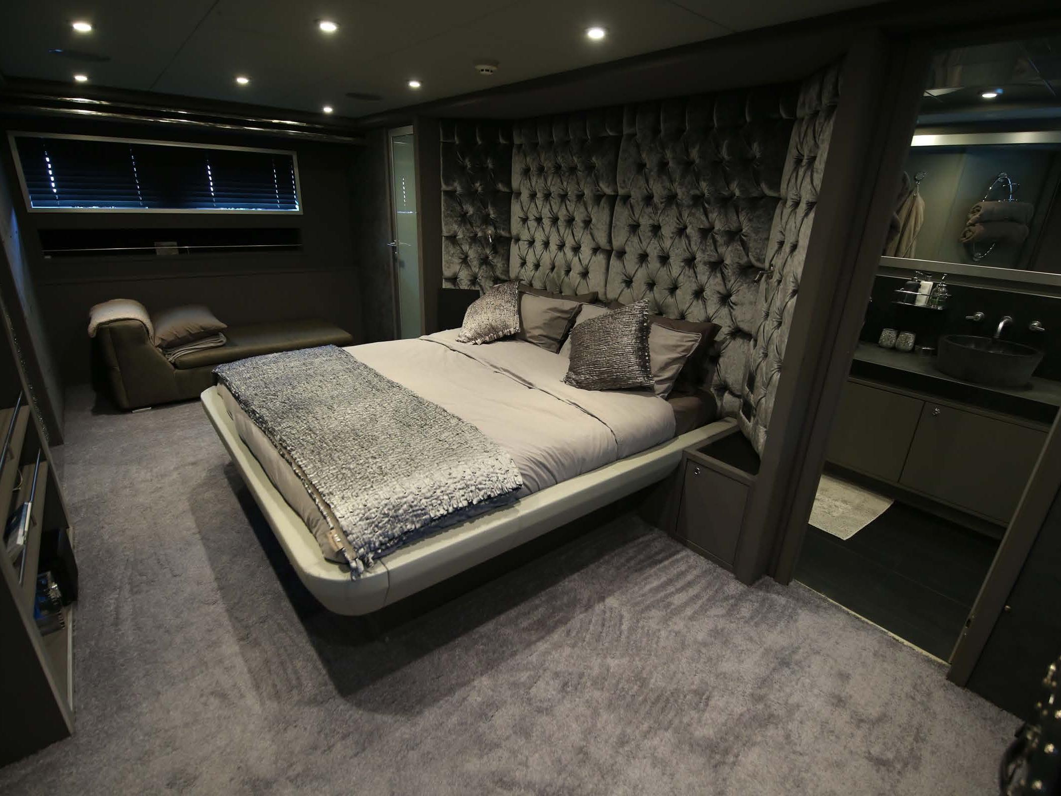babylon yacht cabin