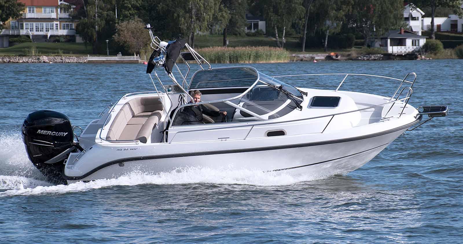 WALKAROUND yacht